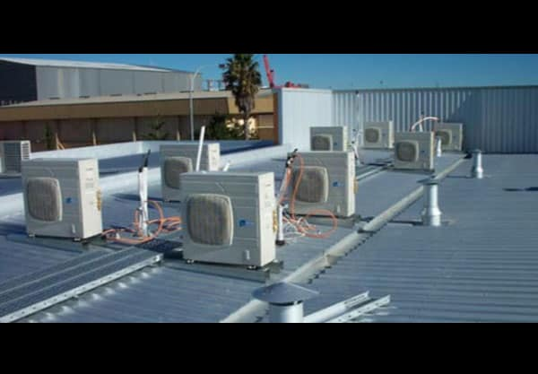 Commercial AC units on rooftop - how does AC work